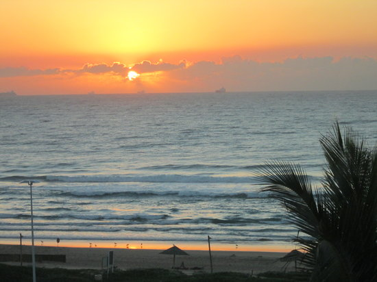 Suncoast Towers: Yvette's Pic of Sunrise from My Window - Suncoast Durban