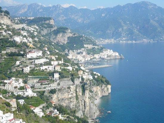 Monastero Santa Rosa Hotel & Spa: Amalfi from the window