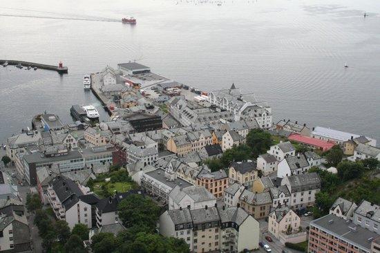 Borgernes veg and Aksla Stadion: top view