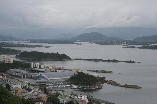 Borgernes veg and Aksla Stadion: isole