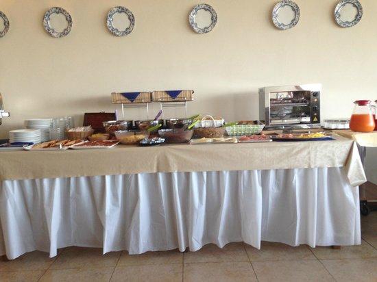"""Relax Hotel Aquaviva: La """"ricca"""" (si fa per dire) colazione"""