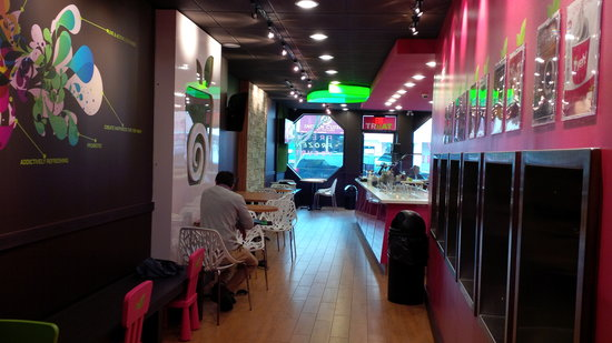 Yeh! Frozen Yogurt & Cafe