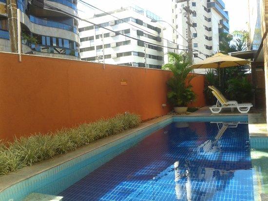 Ritz Plazamar Hotel: área da piscina apesar de pequena, agradável.