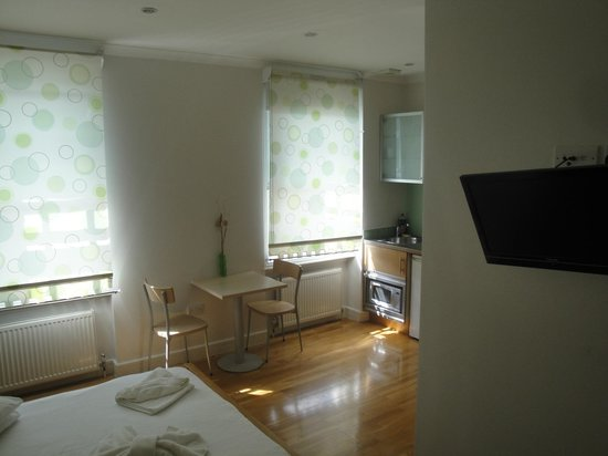 MStay 146 Suites: double room
