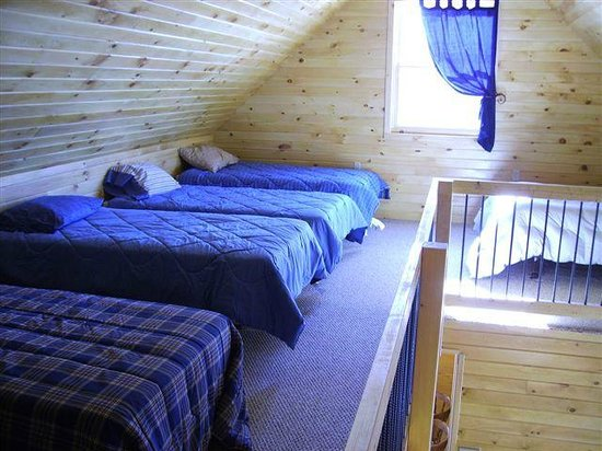 45th Parallel Cabins: Cabin Loft
