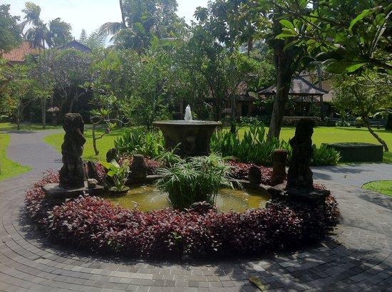 Segara Village Hotel: Fountains