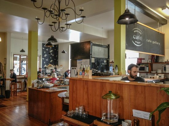 Morri Street Cafe : Looking towards the counter area