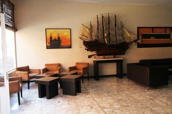Hotel Colon Express: Lobby