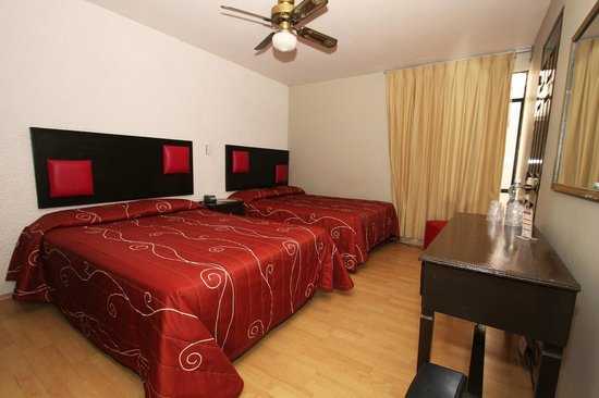 Hotel Colon Express : Plus two double beds