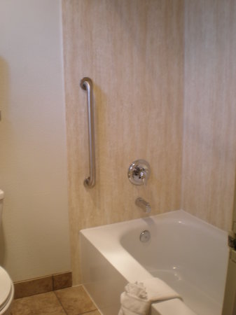 Econo Lodge Bend: Bathroom