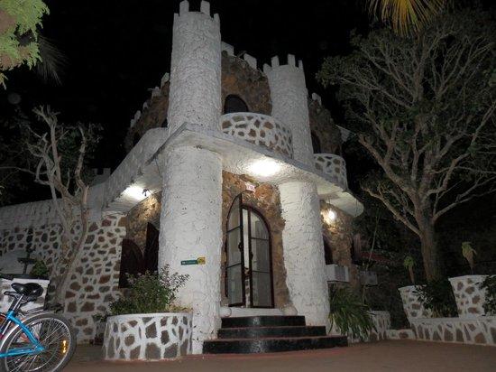 El Castillo Galapagos : El Castillo