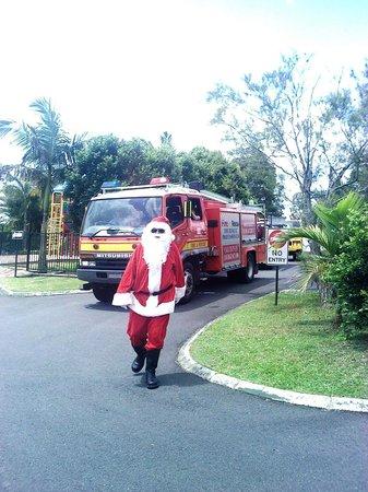 Atherton Halloran's Leisure Park : Santa!