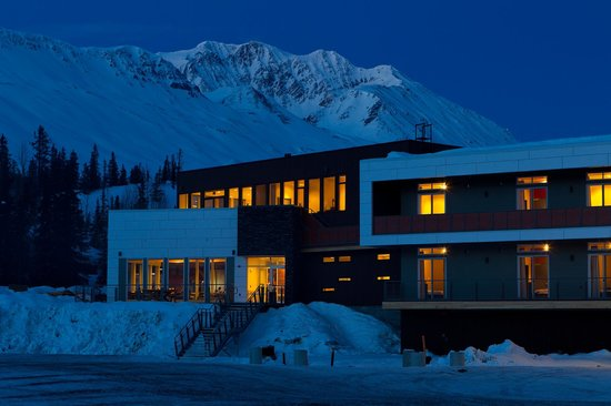 Tsaina Lodge
