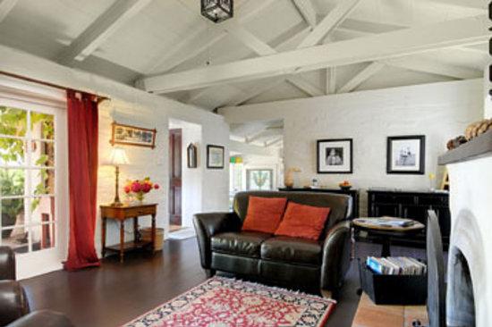 Adobe on Green Street Inn: Living Room at Adobe on Green Street B&B