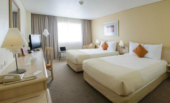 Novotel Monterrey Valle: Superior 2 queen beds room