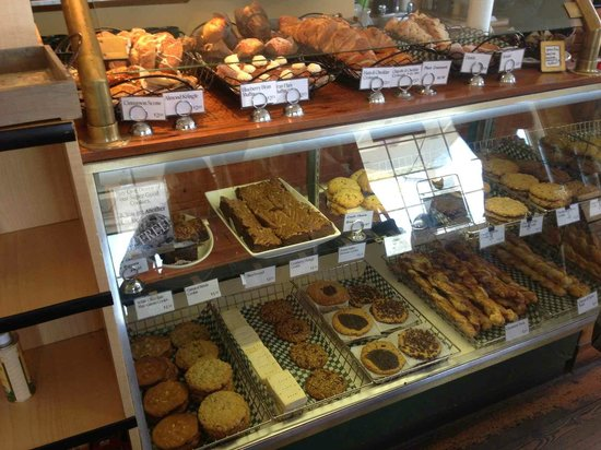 Roost Farm Bakery & Vineyard Bistro: Fresh Baked Goods