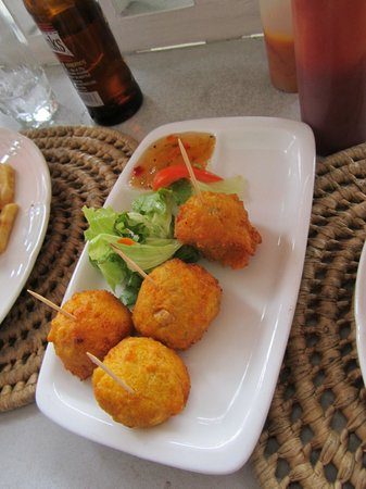 Ryanne's Restaurant and Bar: The pumpkin fritters...not a personal favorite, but still good