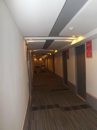 Myhotel Cmyk@Ratchada : Walkway