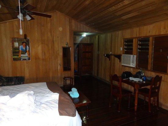 Windy Hill Resort: Inside Room 16 looking towards back