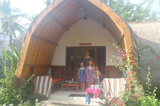 Chill Out Bungalows: The Family Room - Comfortably sleeps 2 adults and 3 kids.