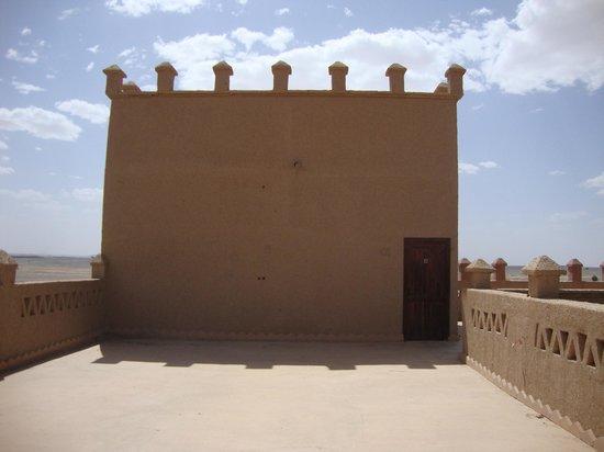 Hotel Ksar Merzouga: chambre dans la tour