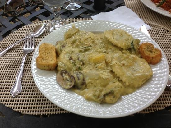 Cafe Anchuca at Anchuca Historic Mansion: Een onderschrift toevoegen