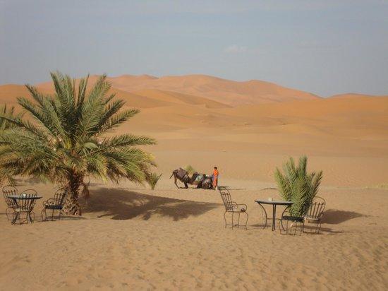 Hotel Ksar Merzouga: vue sur les dunes