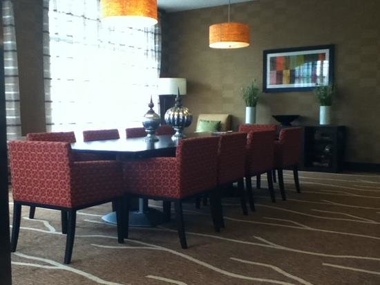 Hilton Garden Inn Ogden UT: chic decor
