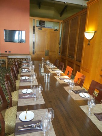 Porter's Prime Steakhouse - Doubletree Ontario: Private Dining Room