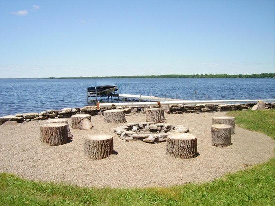 North Port, Канада: Roast marshmellows in the fire pit down by the bay.