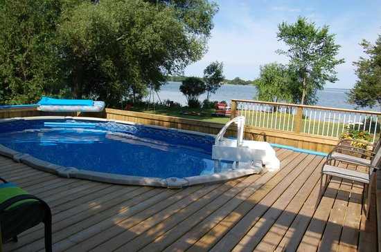 North Port, Canada: Cool off in the salt water pool.