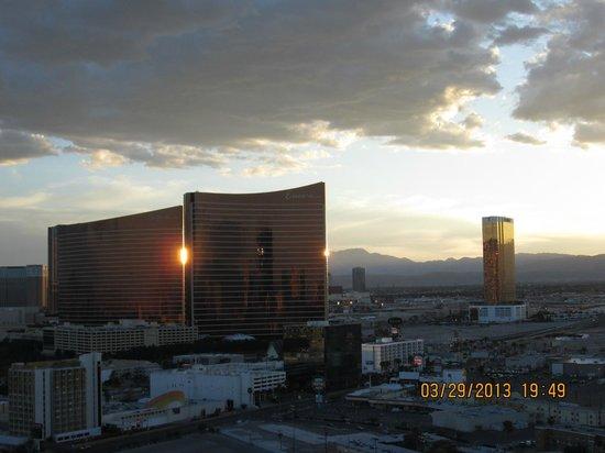 Las Vegas Marriott: Looking down towards the strip.