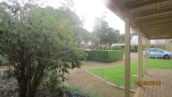 Stay Margaret River: View from room entrance towards carpark.