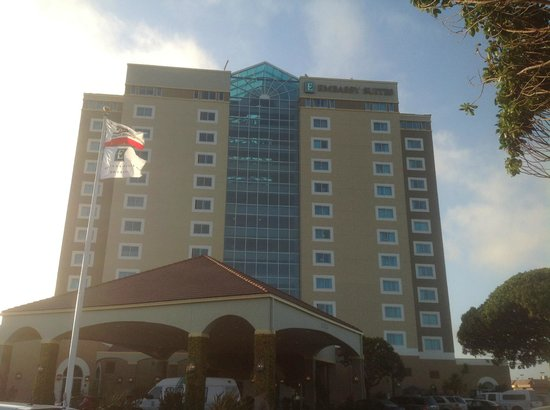 Embassy Suites by Hilton Hotel Monterey Bay - Seaside: 12 story hotel - front entrance