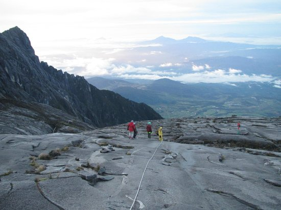 Sabah, Malaysia: Climbing down from the summit after dawn