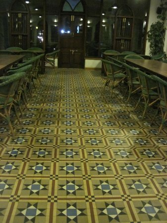 House Of Mangaldas Girdhardas: floor in the banquet area
