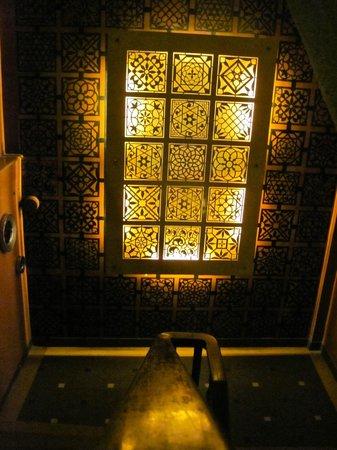 House Of Mangaldas Girdhardas: lighting at the entrance of the restaurant