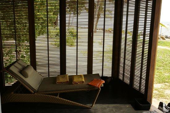 Erandia Marari Ayurveda Beach Resort: Persienne