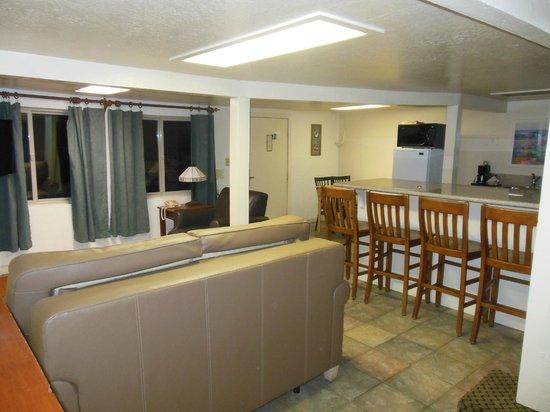 Living Room Kitchen Picture Of Capitola Venetian Hotel Capitola Tripadvisor
