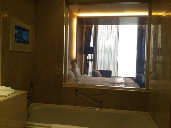 The T Hotel: Bath