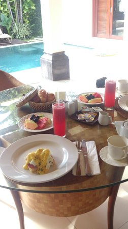 Disini Luxury Spa Villas: breakfast