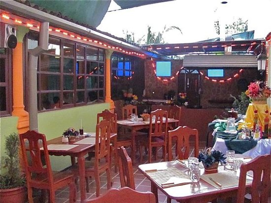 Restaurante Bar Parrillada San Jose : Outdoor Patio