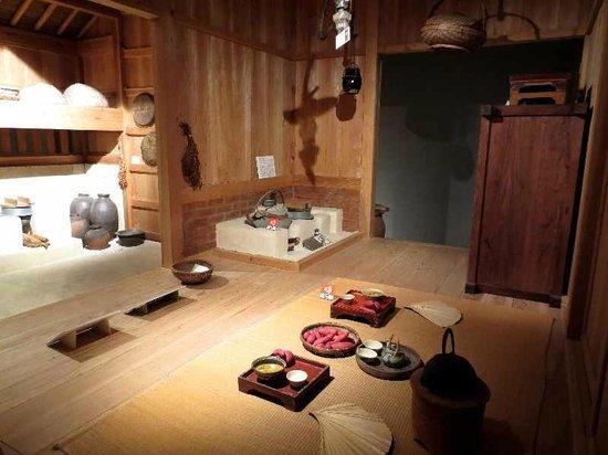 Tsuboya Pottery Museum: 6