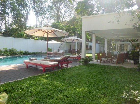Natura Resort: Swimming pool, Vitality bar, garden