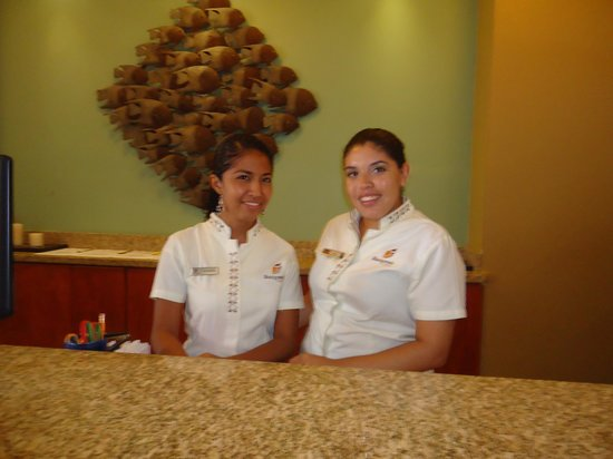 CHICAS GUAPAS!!! - Picture of Binniguenda All Inclusive, Huatulco ...