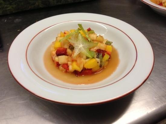 Le Chemin des Peintres: Salade de fruit frais et sa nage a l'absinthe