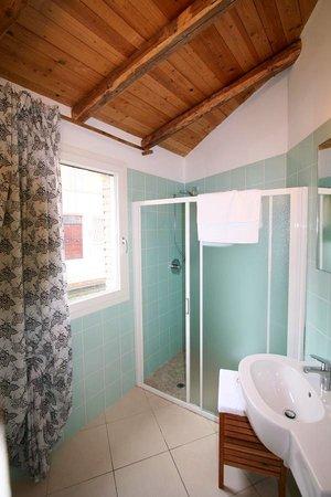 La Pitagora: Bagno di camera blu