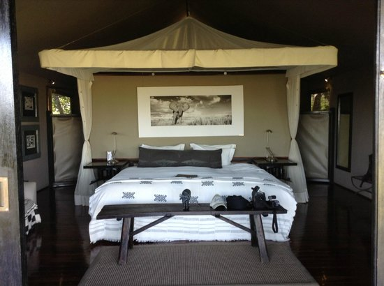 Chitabe Camp: Our bedroom area