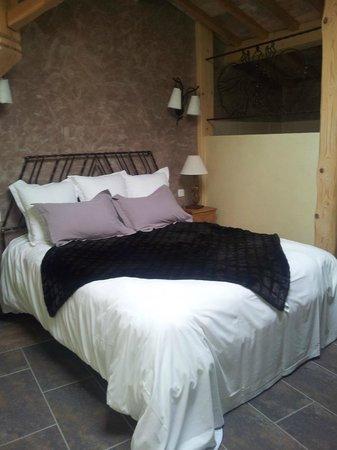 Chalet Le Braconnier : Le lit, très confortable