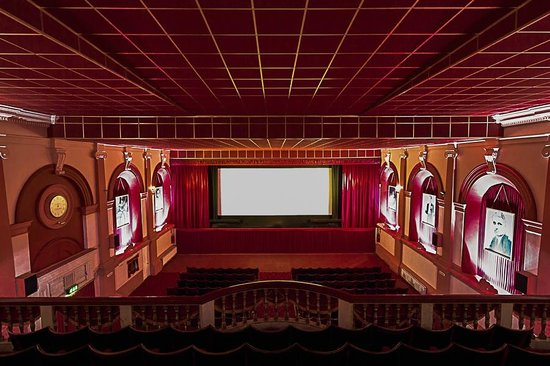 Silver Screen Cinema: The view of the screen from the balcony in Cinema 1.